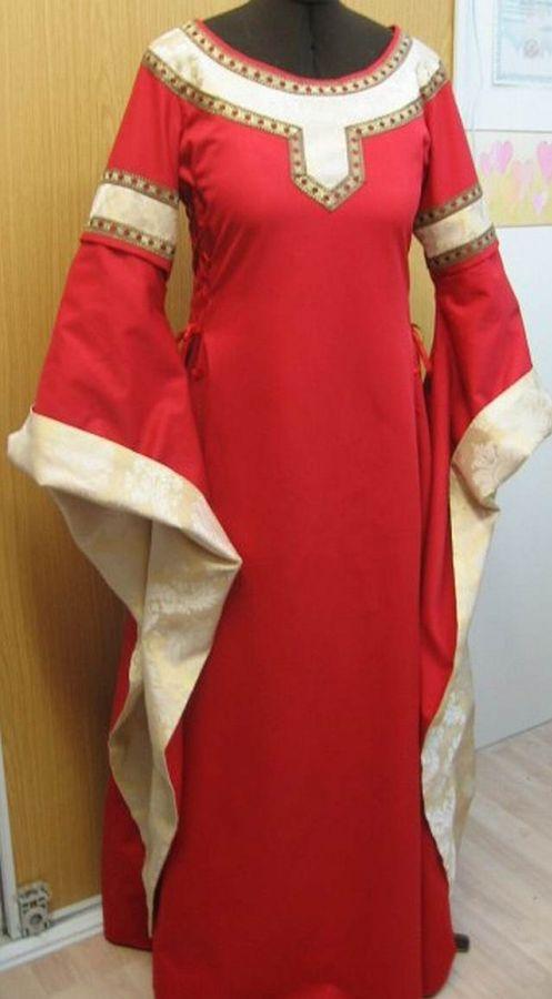 Dobové kostýmy dámy » Šaty. Gotické šaty 2 cb51c6d3f97